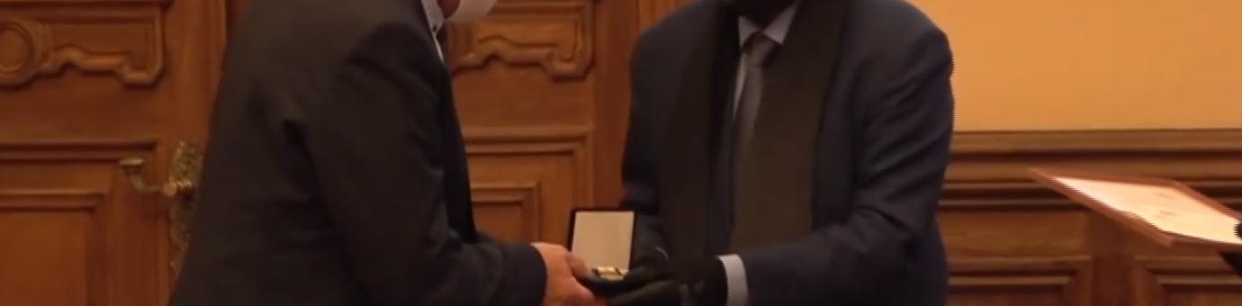 Директору образовательной программы В. Н. Киселёву вручили премию имени Николая Рериха.