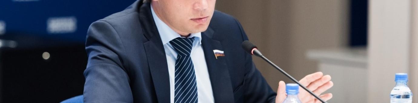 Студенты СЗИУ встретились с депутатом Госдумы Сергеем Боярским