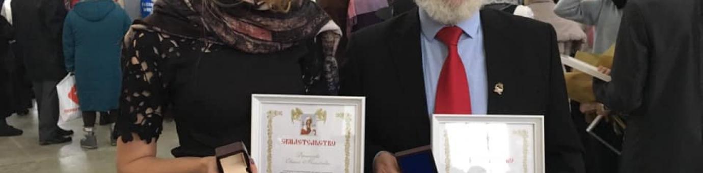 """Директор программы Liberal Arts В.Н. Киселев награжден Почетным знаком святой Татианы степени """"Наставник молодежи"""", награду """"Молодежной степени"""" получила студентка факультета Е. Дерканосова"""