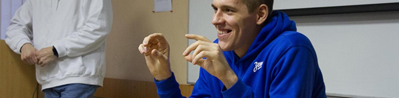 На ФСТ состоялась пресс-конференция центрового БК «Зенит» Сергея Балашова